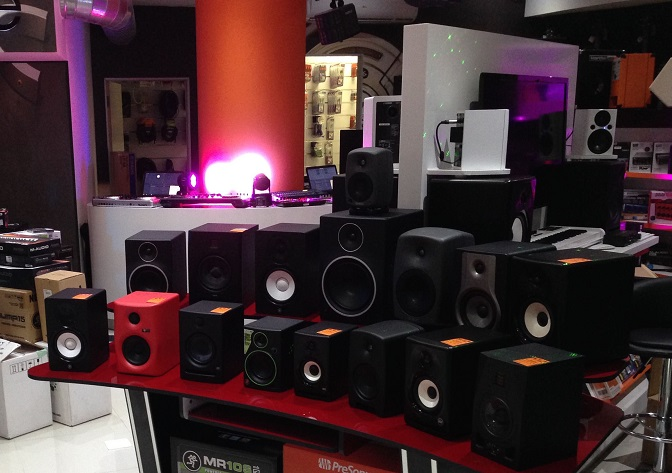 audiophile stores in Seattle